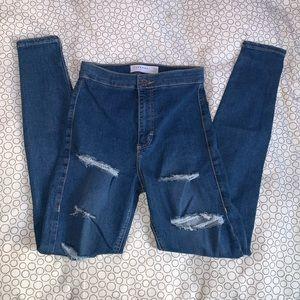 NWOT TopShop Joni Jeans (Ripped)